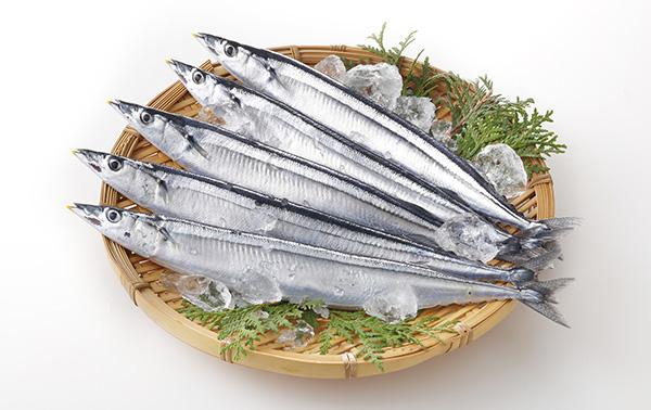 絶対食べたい!旬の秋刀魚は刺身かスープでたっぷりと