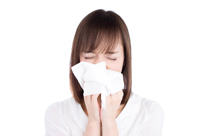 誰か止めて! 季節の変わり目の涙や鼻水、止まらない咳は寒暖差アレルギーか...  くしゃみ、鼻水