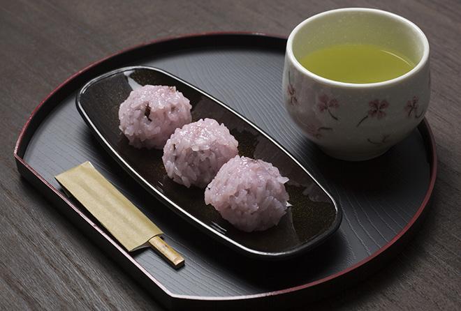 キノコや緑茶が効果的! 脂肪の吸収をカットする食べ物はコレ!