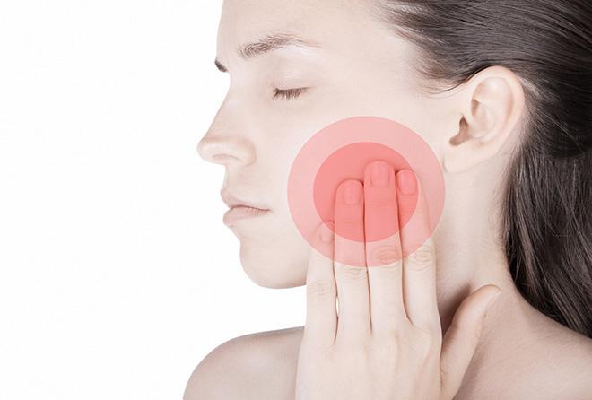 顎から音がしたり口を開けると違和感があるのは、顎関節症かも!?