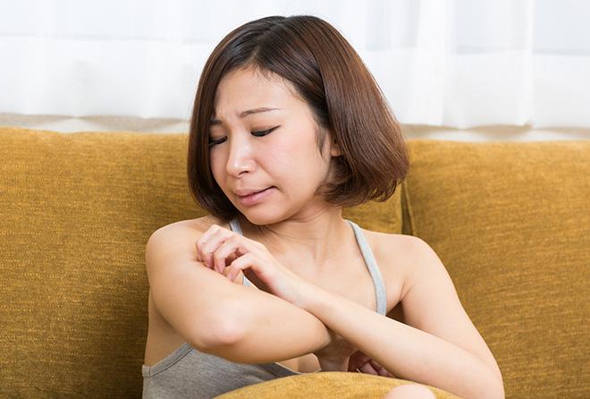 突然の痒みやただれ、それは「接触性皮膚炎」かも?