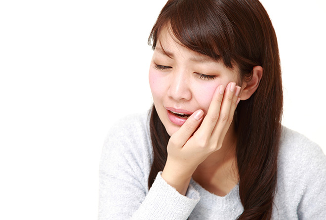痛~い! 歯が痛いけど歯医者に行けない時の応急策