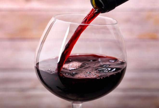 赤ワインを上手に飲んで美肌やダイエットに役立てよう