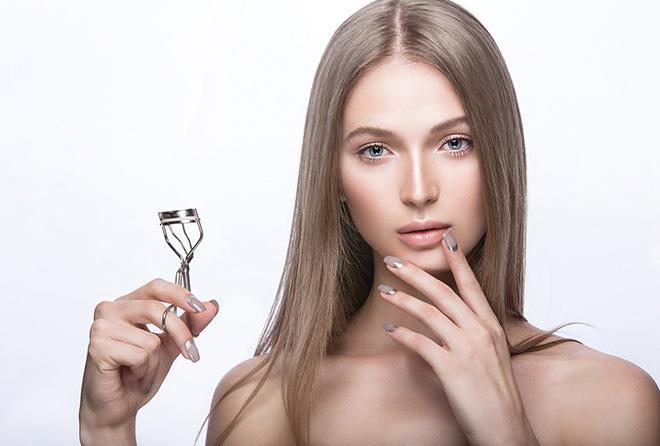 エクステやジェルで傷んだまつ毛と爪を回復させる方法