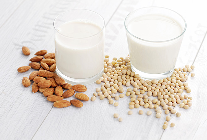 夏はさっぱり爽やかに! 美肌成分たっぷりの植物性ミルクをチョイス!
