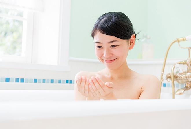 """暑い夏は""""水風呂""""で乗り切る! 驚きの美容効果とは?"""
