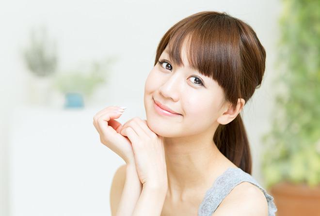20代、30代、40代で起こる肌トラブルと年齢別のマストスキンケア