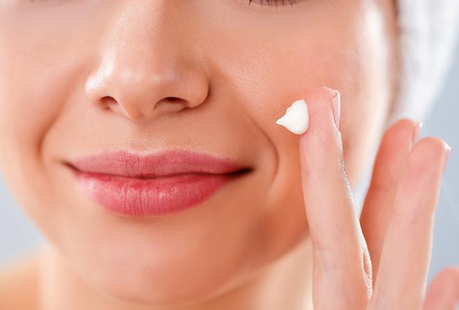 ニベア、オロナイン、ユースキン。クリーム美容の効果の違いは?