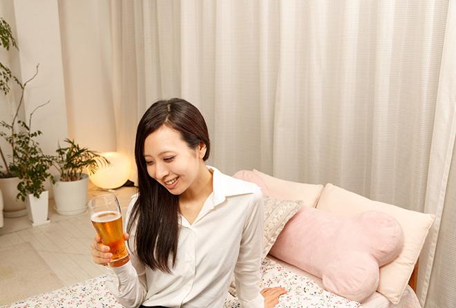 """ぐっすり眠りたいならアルコールより""""ノンアルビール""""が◎"""