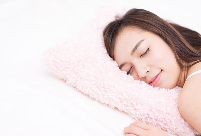 枕をはずしたら、肩こりや頭痛が治るかも!