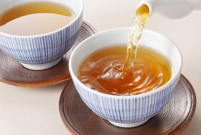 寒い日に飲んでほっこり。ほうじ茶も緑茶だからカテキン豊富!