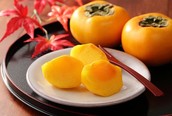 海外でも人気の日本の柿、その理由は豊富な栄養価に!