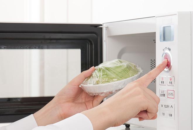 電子レンジを使うと栄養素が破壊されるって本当なの?