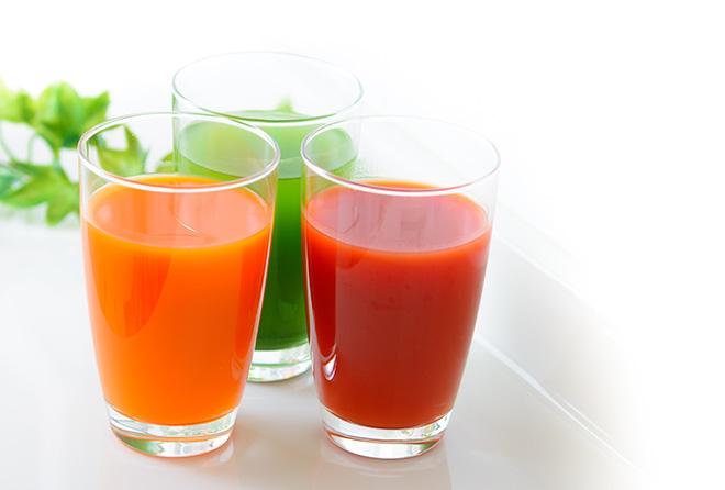 野菜ジュースだけではNG!飲み過ぎは体に逆効果も