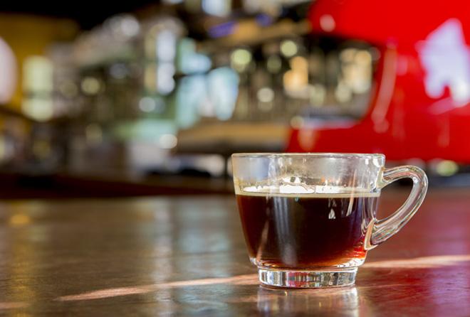 コーヒー好きは取りすぎ? カフェインって体に良いの?悪いの?