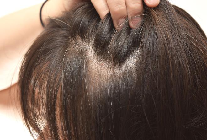 髪も老化します。ふんわりヘアで老け見え防止!