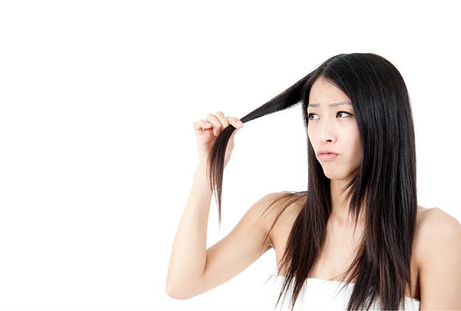 若いのに抜け毛! 髪の健康には亜鉛とビタミン補給を