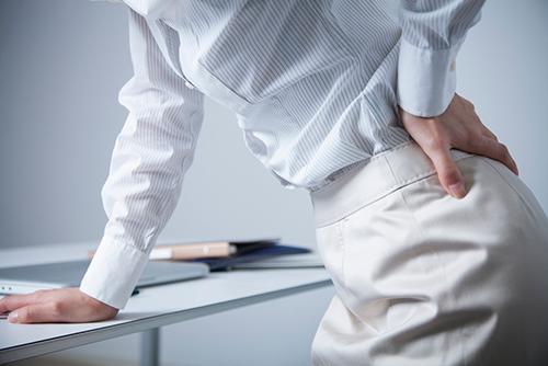 腰痛の原因は背骨のS字カーブが崩れること