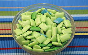 キシリトールは甘味料なのに、どうして歯の健康にいいの?